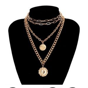 JewFancy Gold chain necklace in one piece